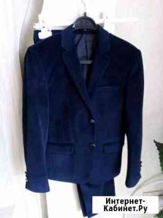 Замшевый костюм, темно синий, новый Экажево