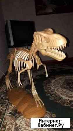 Динозавр из дерева Грозный