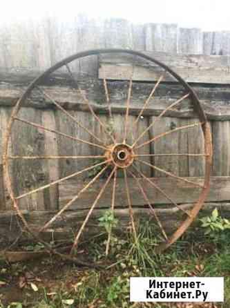 Старинные колеса от сх техники Чухлома