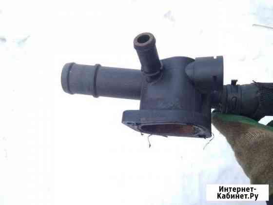 Фланец системы охлаждения Audi A4 B7 (038121132D) Брянск