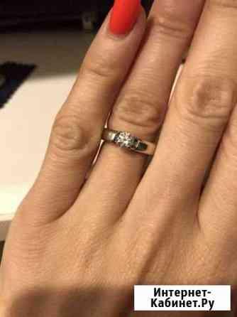 Золотое кольцо с бриллиантом Омск