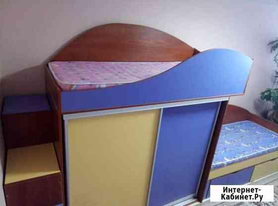 Кровать двухярусная + стол Сургут