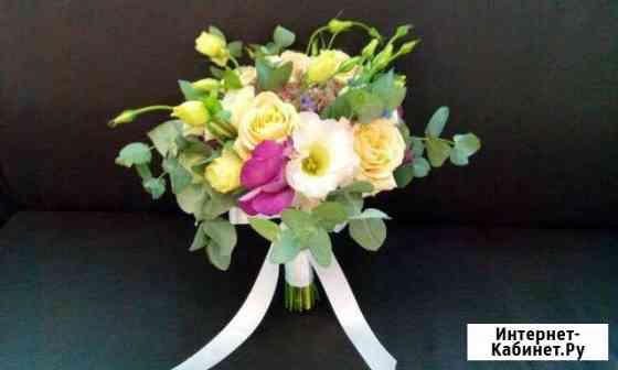Букеты из живых цветов,свадебные,букеты из конфет Краснодар