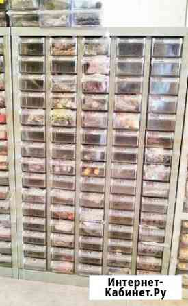 Продам металлический шкаф с ячейками пластиковыми Красноярск