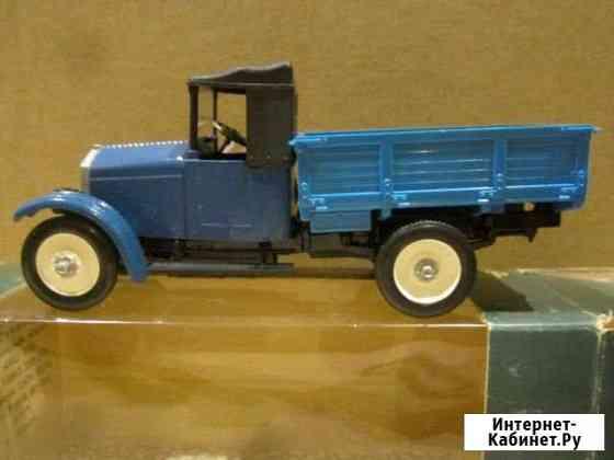 Модель автомобиля масштаб 1;43 Оренбург