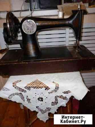 Швейная машинка, с челноком пулей Киров