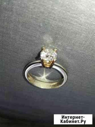 Золотое кольцо с бриллиантом Севастополь