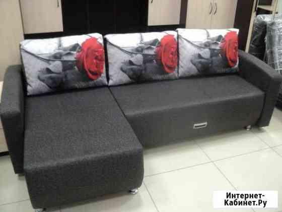 Новый угловой диван (с подушками с оттоманкой ) Киров