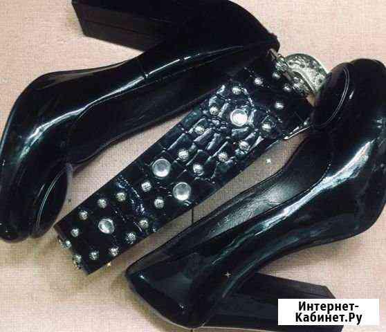 Туфли на объемных высоких каблуках. Лакированные Обнинск