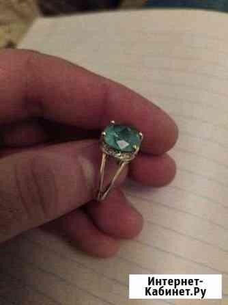 Золотой кольцо с изумрудом Урус-Мартан