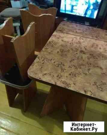 Табурет (4 шт),стол Рубцовск