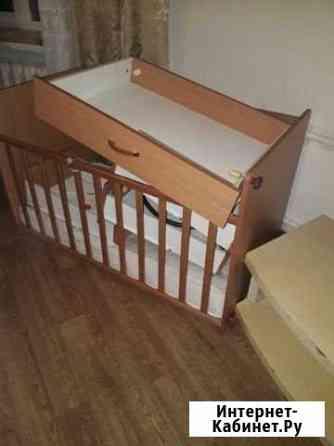 Продам б/у детсуую кроватку с матрасиком Хабаровск