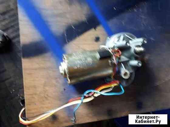 Электродвигатель дворников на автомобиль ман Сургут