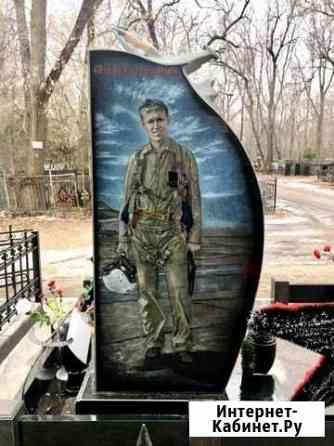 Портрет на памятнике Воронеж