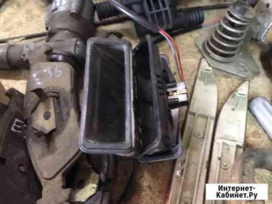 Продаю кнопку открывания багажника Бмв е60 Автораз Ставрополь