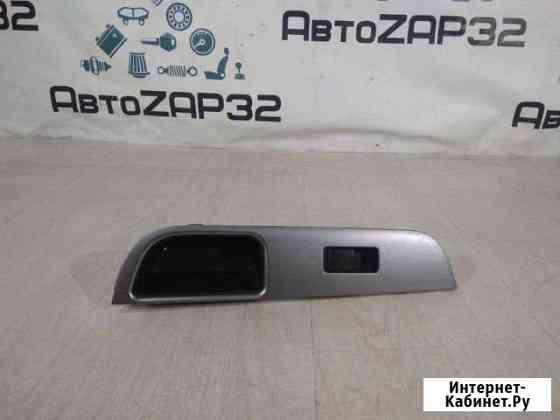 Кнопка стеклоподьёмника задняя правая Nissan Tiida Брянск