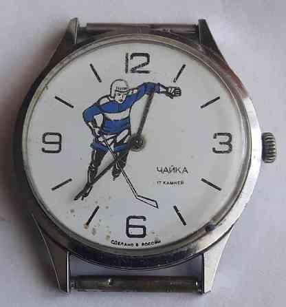 Часы механические Чайка хоккеист SU 1601A Москва