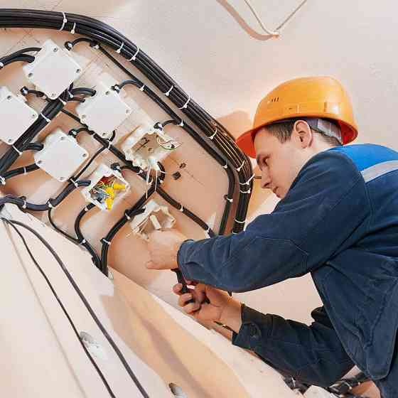 Услуги электрика в Северске Северск