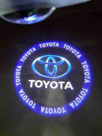 Штатная подсветка дверей Toyota Lexus Иваново