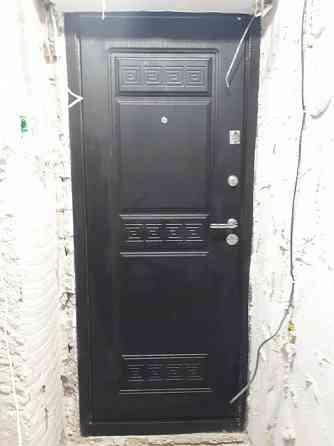 Входная металлическая дверь б/у Симферополь