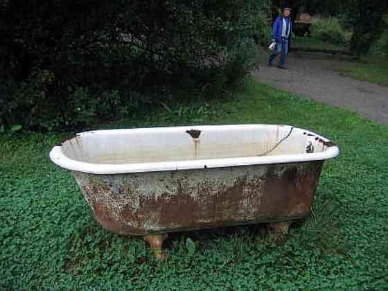 Покупаем, демонтируем и вывозим старые чугунные ванны и батареи Новосибирск