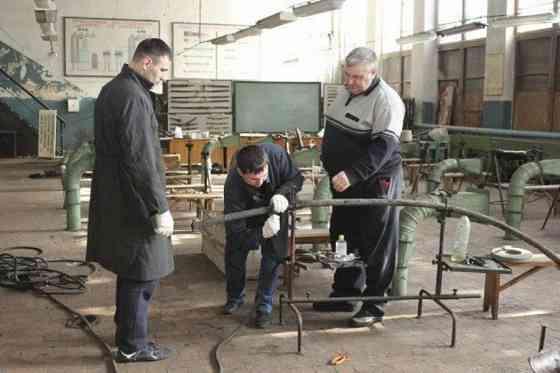 Получить профессию бурильщика, вальщика леса, кузнеца, машиниста крана, лифтера Лениногорск