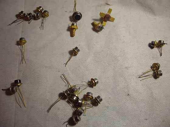 Транзисторы AU Все 27 штук позолочены Челябинск